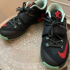 KD Bad Apple Shoes